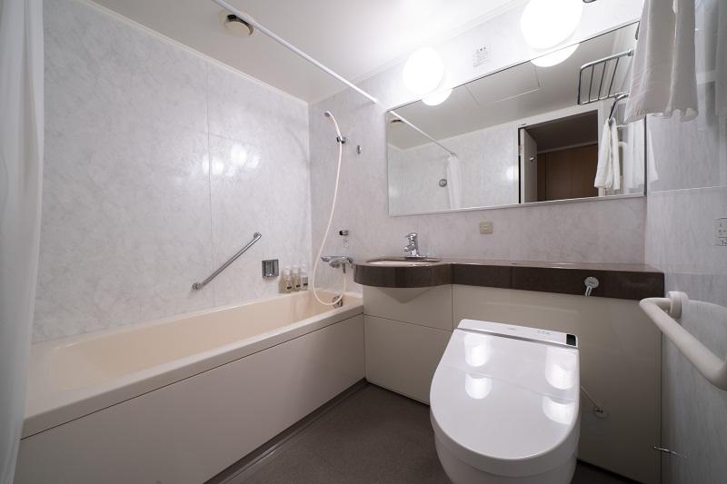シングルルーム 8F (バスルーム)