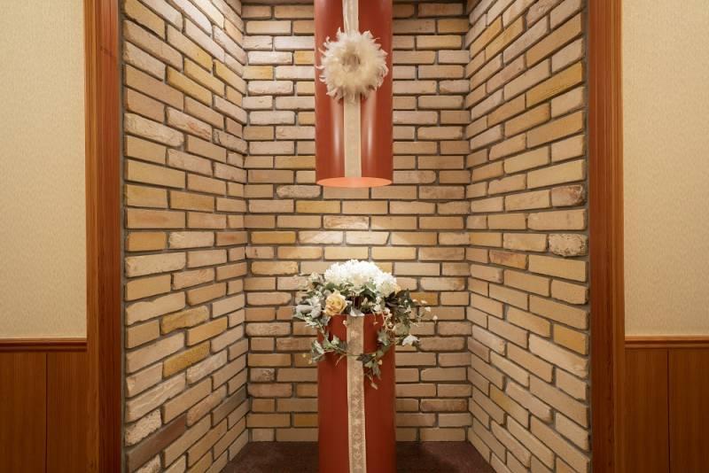 チャペル 入口の飾り (8F)