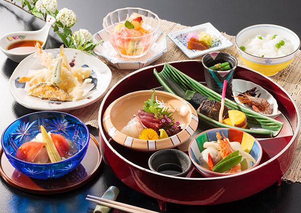 日本料理 御河
